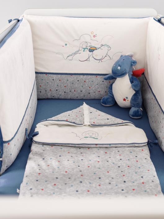 tour de lit guss et victor noukies momentbebe. Black Bedroom Furniture Sets. Home Design Ideas